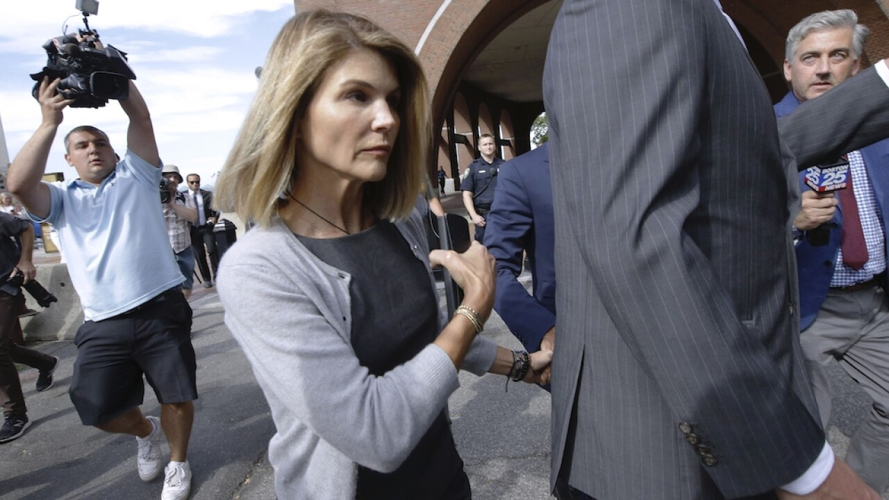 Lori Loughlin agrees to plea deal in college admissions scandal, will serve 2 months in prison