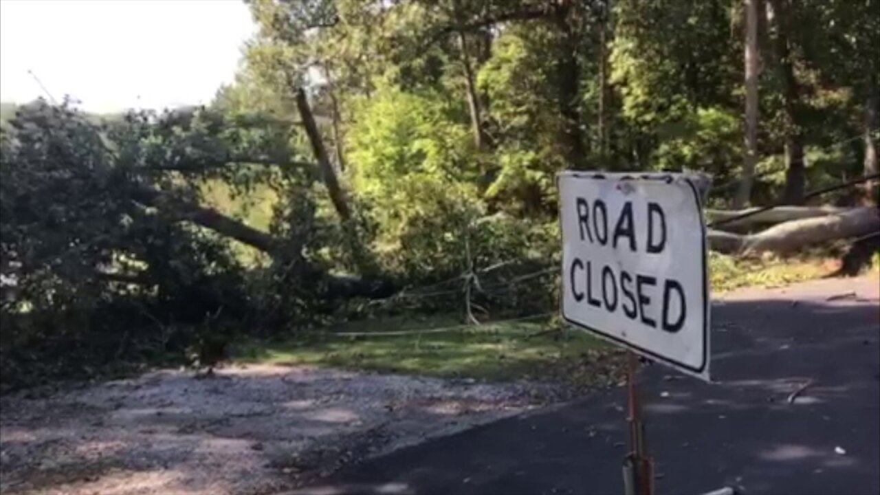 VDOT advises drivers of flooded streets, downed trees and roadclosures