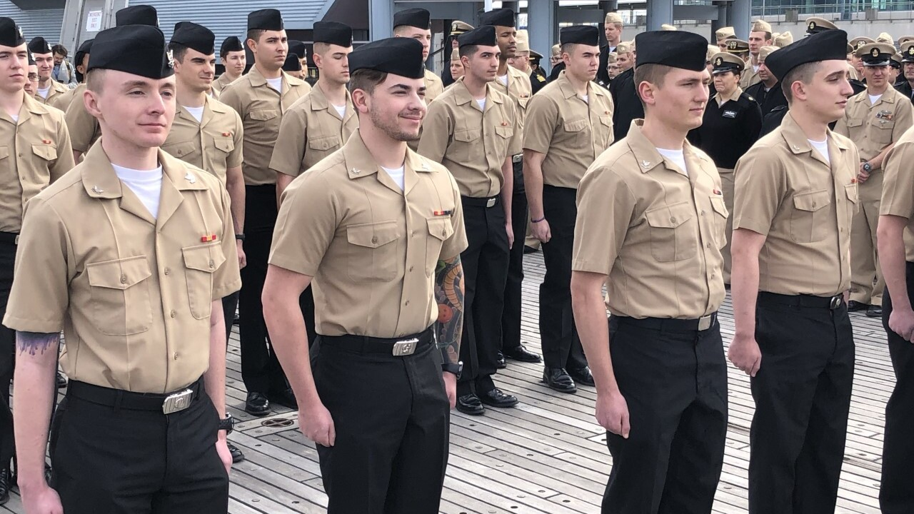 39 Sailors re-enlist in Norfolk for a combined 232years