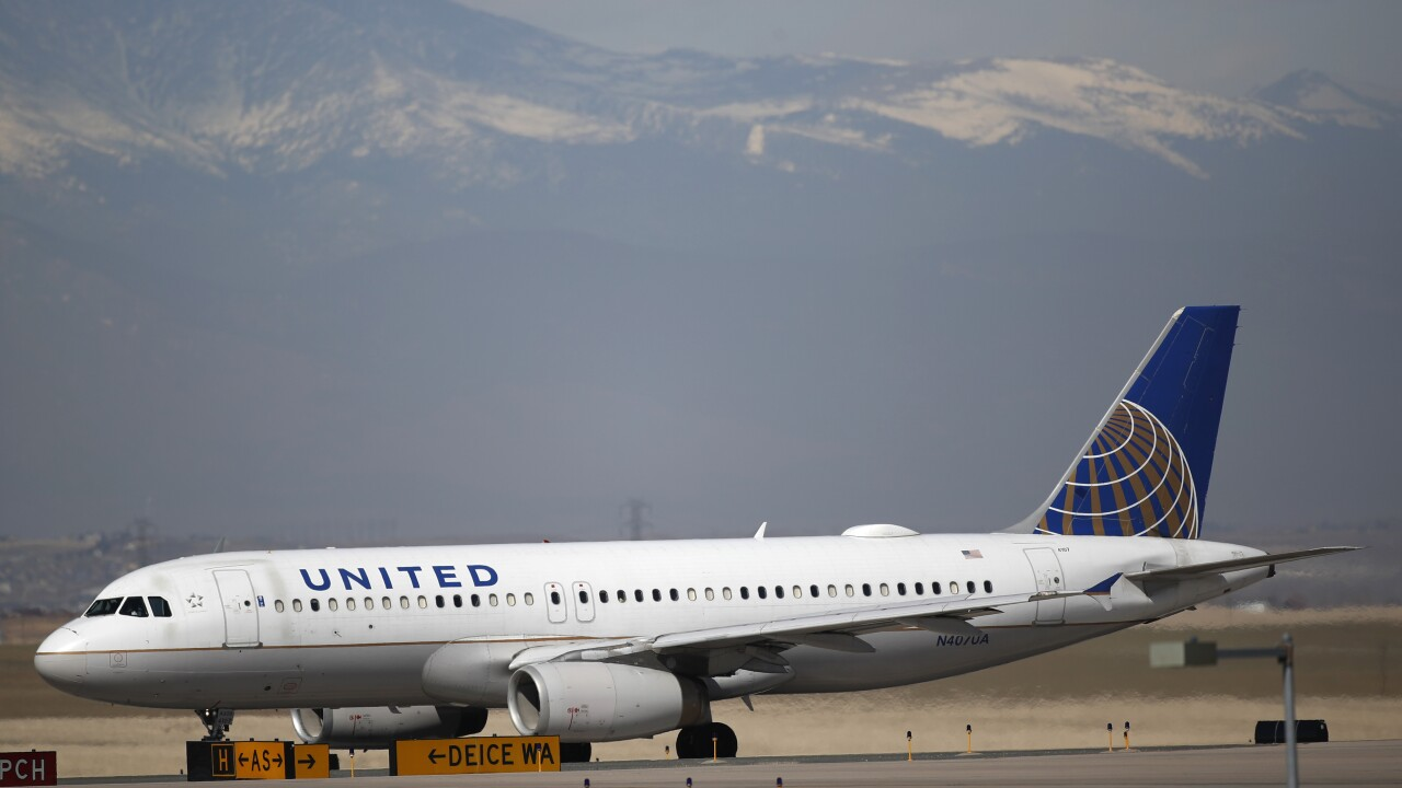 United Airlines sends layoff notices to 45% of US employees