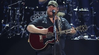 Luke Combs picture