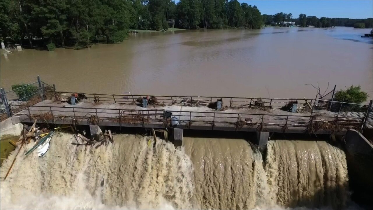 South Carolina flooding: Dams breached, more trouble ahead