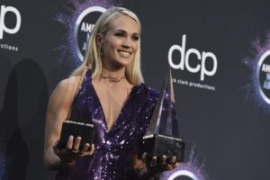 Cracker Barrel Is Putting On A Holiday Concert Featuring Carrie Underwood