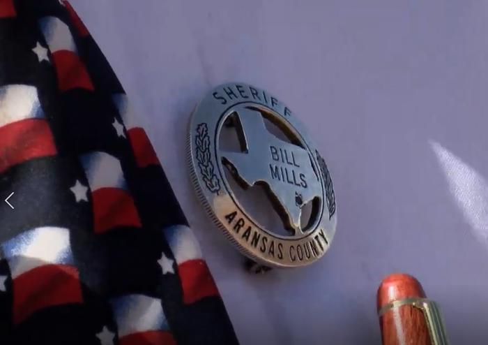 Billl Mills badge.png