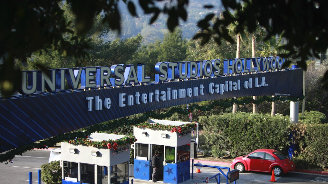 Universal Studios closes both Orlando and Hollywood theme parks amid coronavirus pandemic