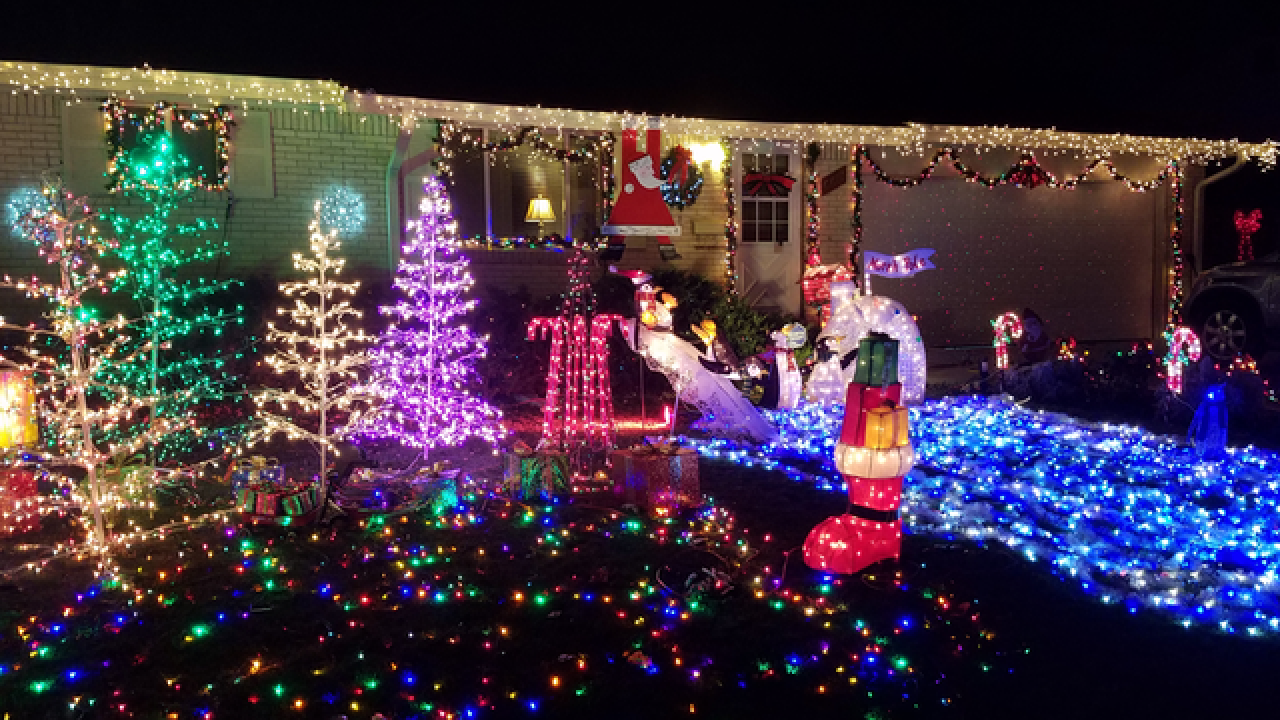an interactive guide best christmas light displays in the denver area. Black Bedroom Furniture Sets. Home Design Ideas