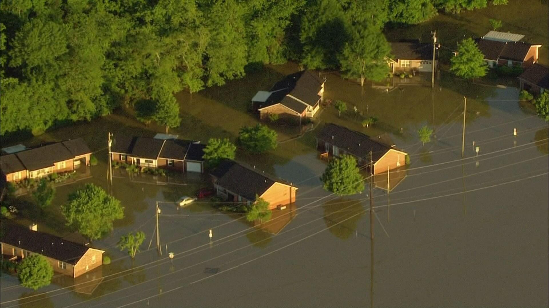 floodhouses.jpg