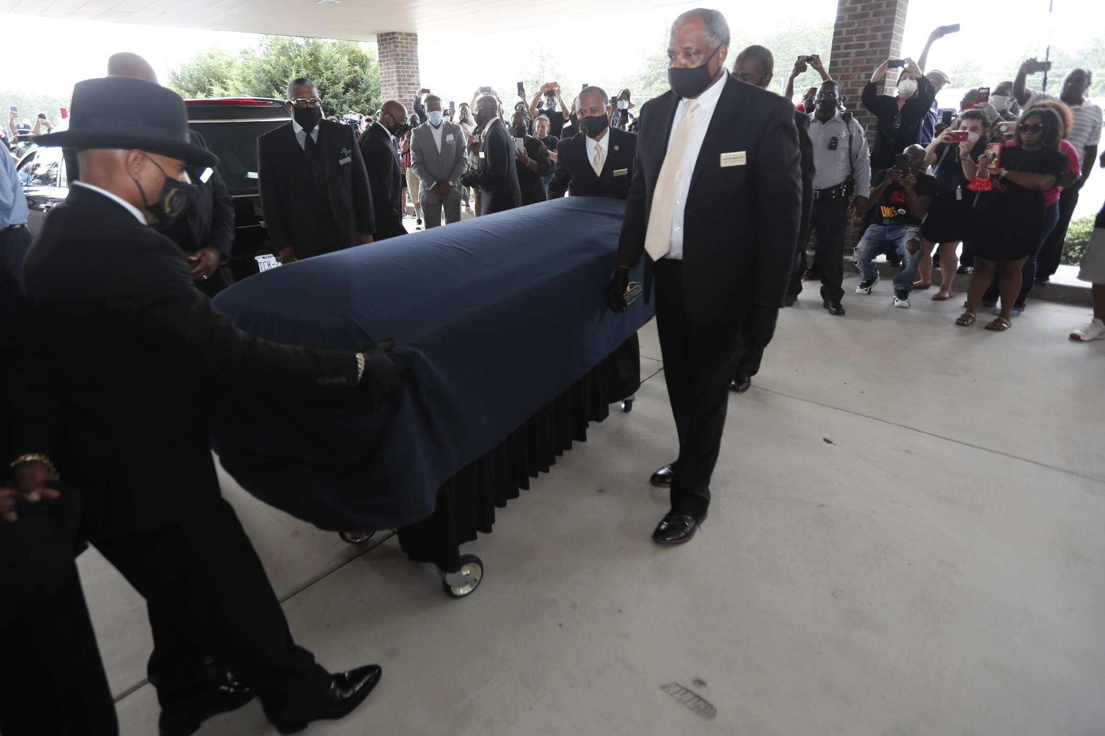 PHOTOS: Mourners pay respects near George Floyd's hometown