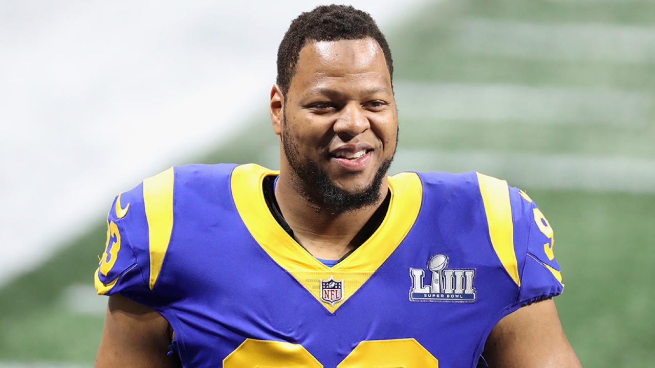 Buccaneers finalizing deal with 5-time Pro Bowler Ndamukong Suh, report says