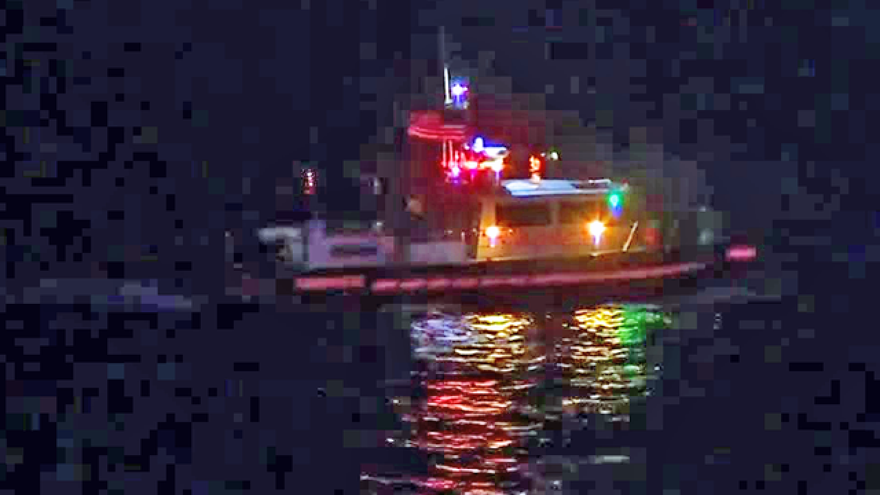 3 boaters rescued, 2 hospitalized after boat sinks in Biscayne Bay