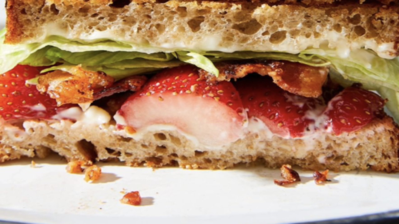 People Are Making BLTs With Strawberries Instead Of Tomatoes And We're Strangely Intrigued