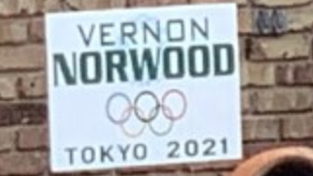 Vernon Norwood Tokyo sign.jpg