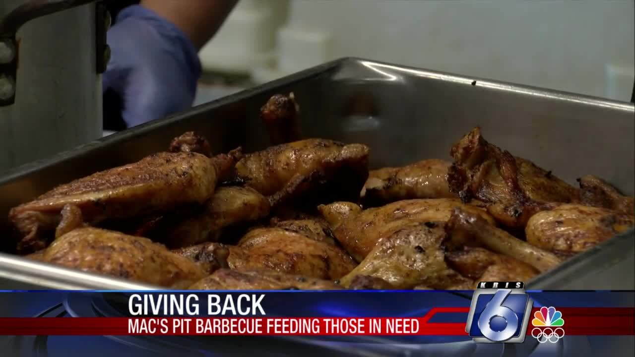 Mac's Pit Barbecue in Rockport helps others, serves great food