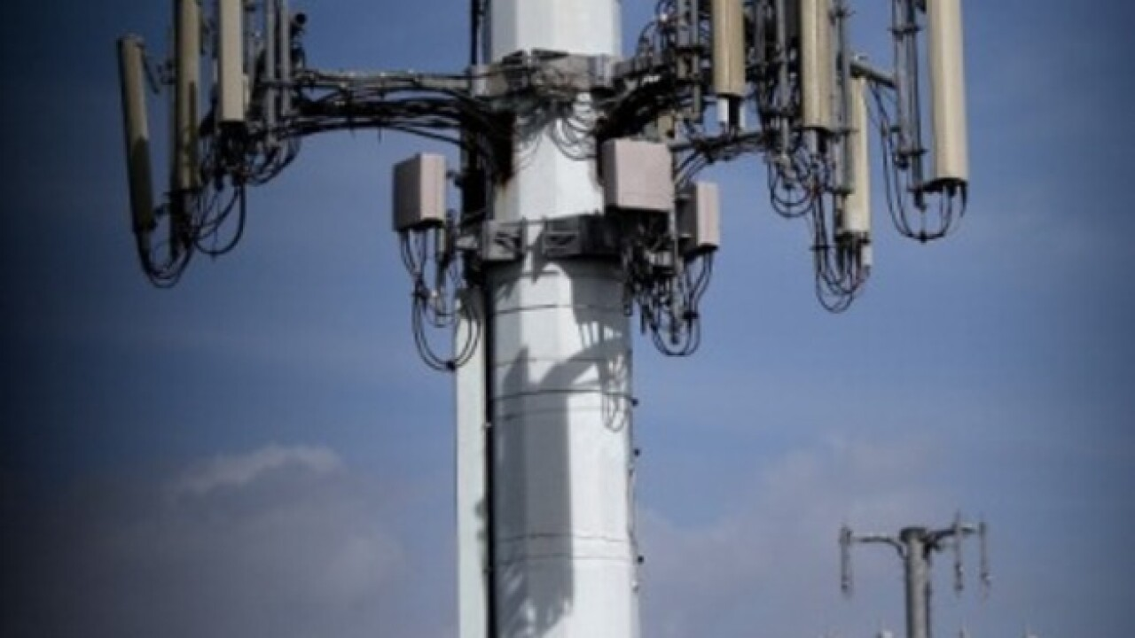 Proposed cell phone tower draws criticism