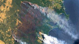'Millions of sparks': Weather raises Australia's fire danger