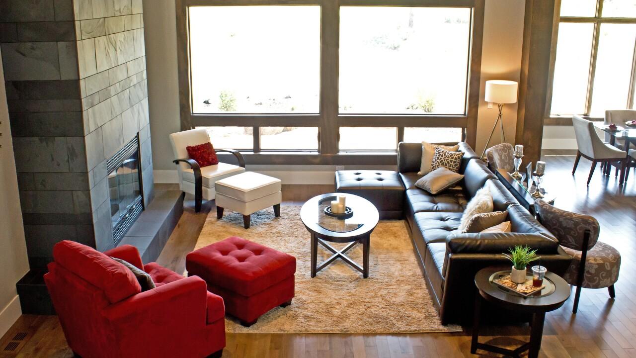 living-room_GJEiFIYd.jpg