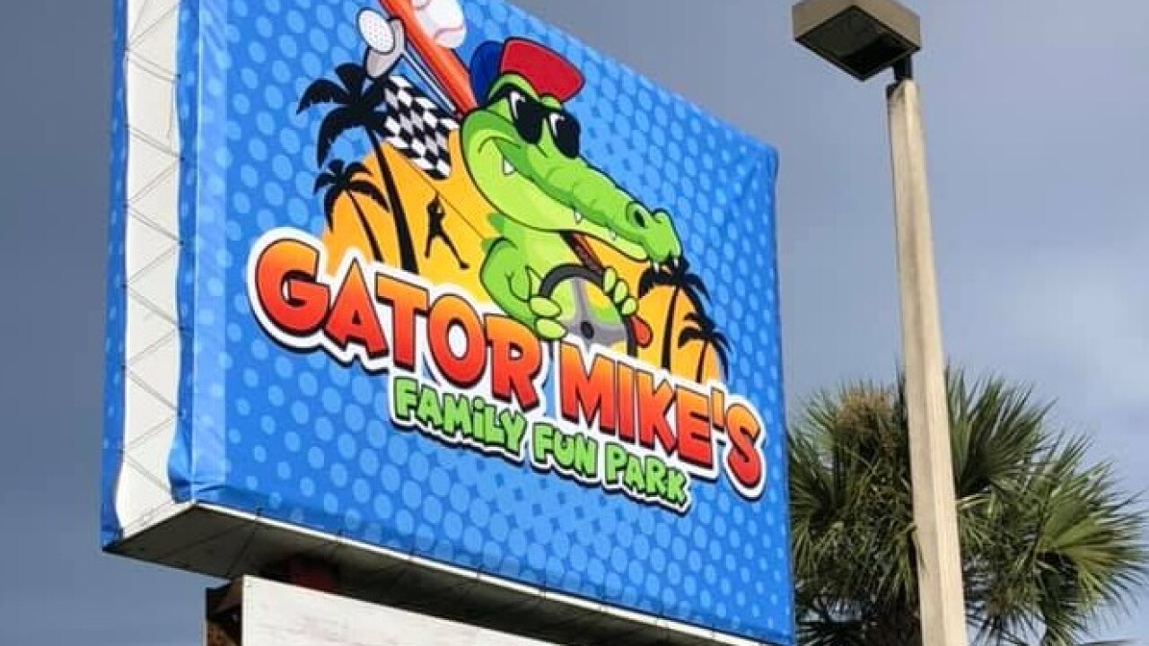 Gator Mikes sign.jpg
