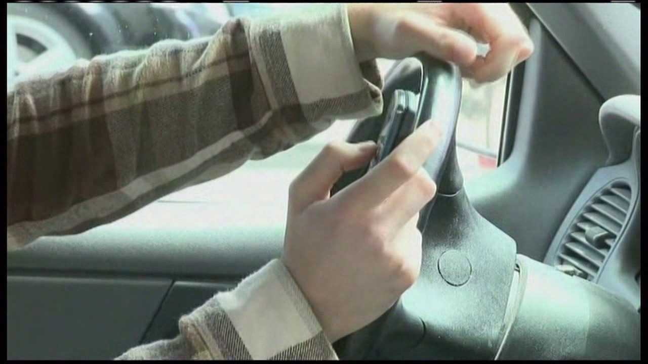 Bill would roll back part of Utah's ban on using cell phone whiledriving