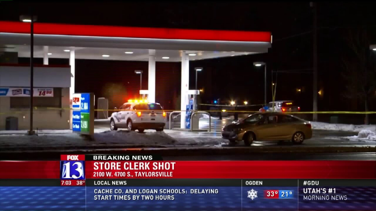 Convenience store clerk shot inTaylorsville