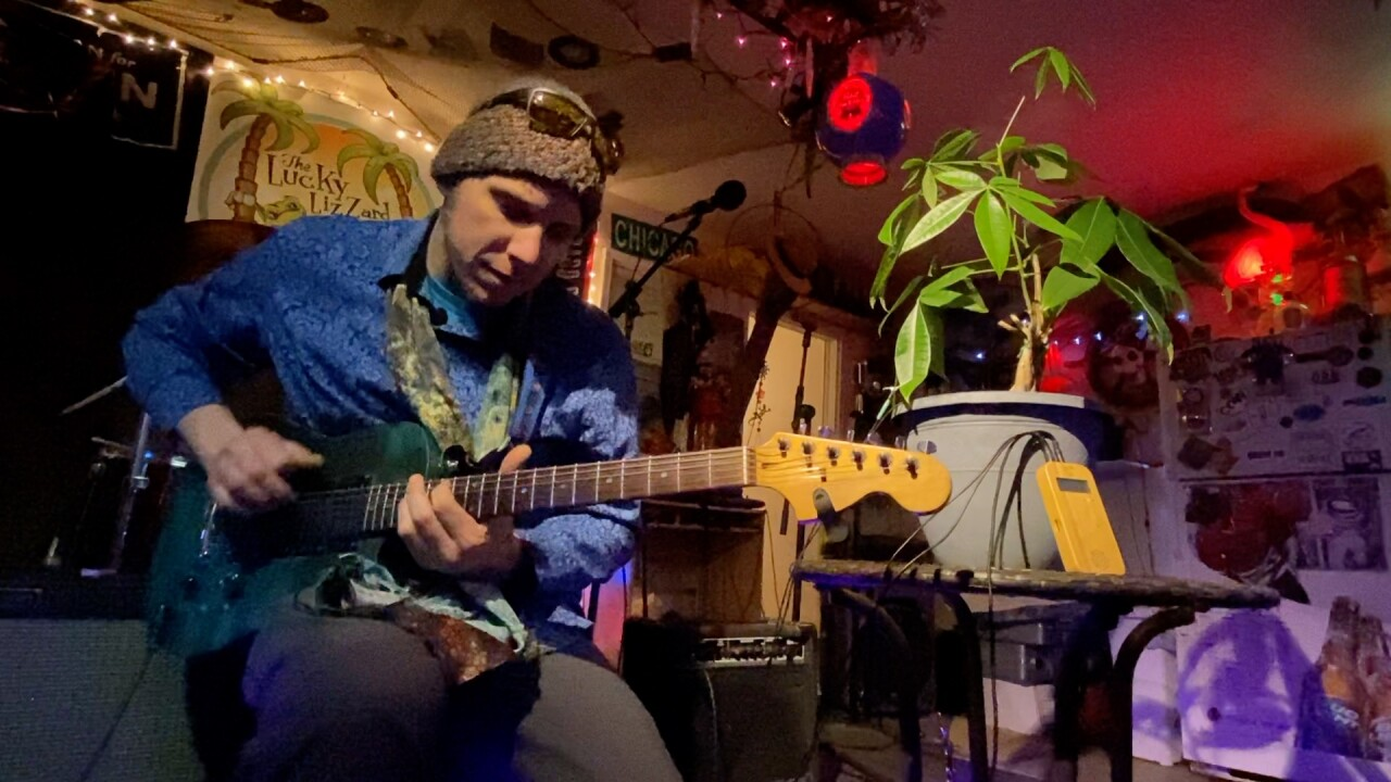 Tom Wall Musician has Stolen Guitar Returned