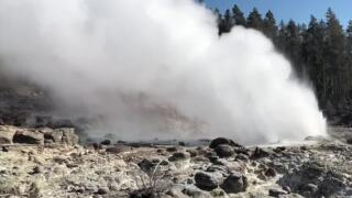 Yellowstone National Park: Steamboat Geyser is erupting less