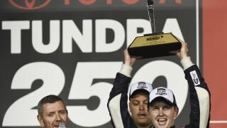 NASCAR Kansas TRUCKS Auto Racing