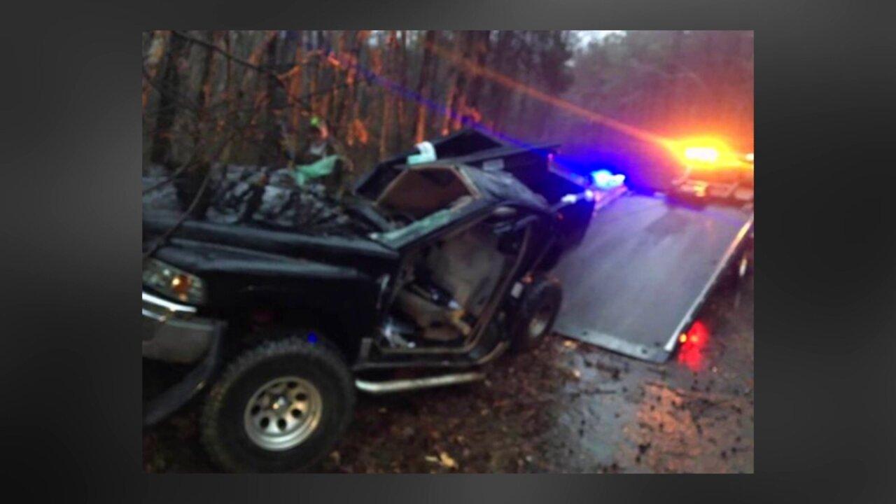 Dinwiddie High School student killed in crash on icy Virginiabridge