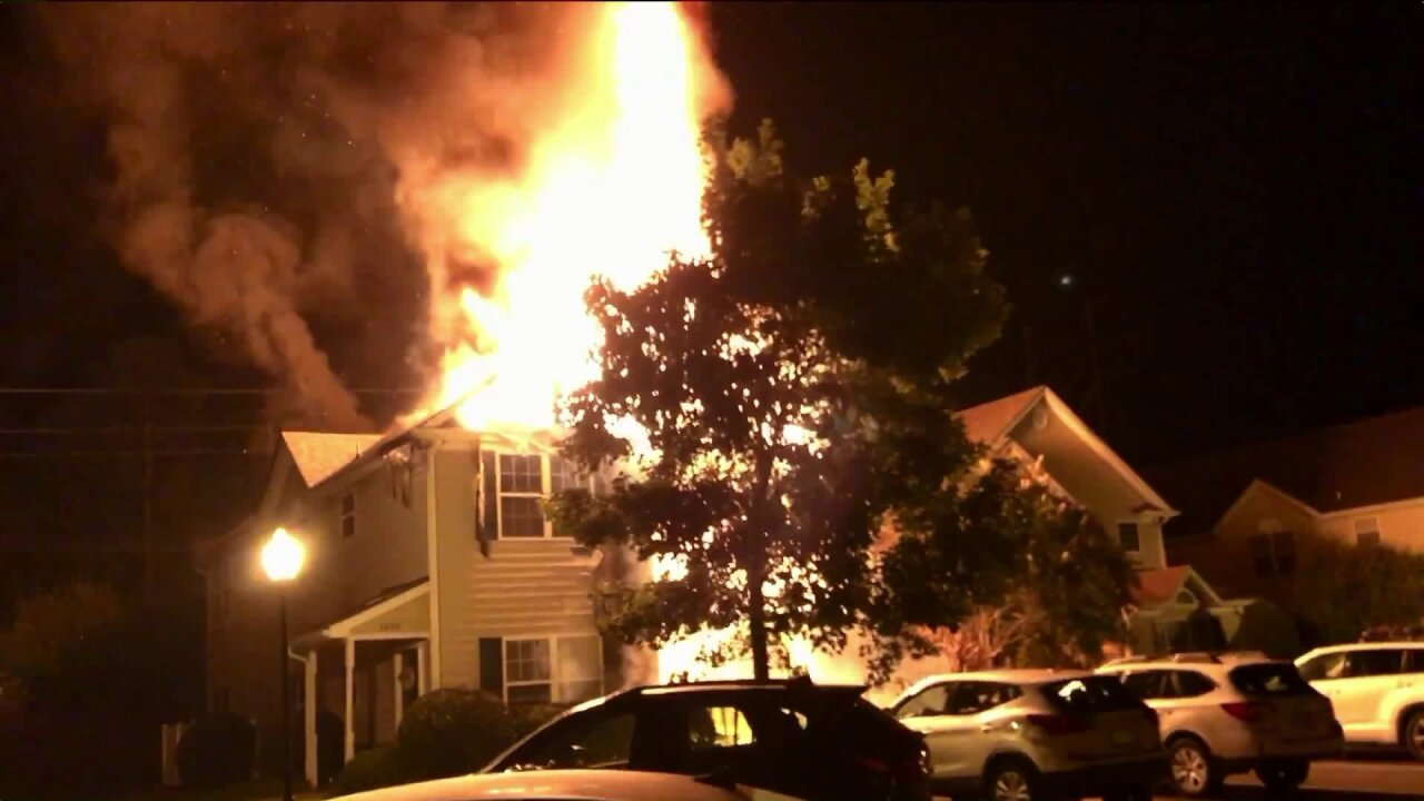 Couple injured in Twin Hickory townhouse fire; teen, momescape