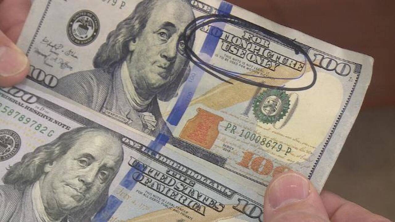 Counterfeit bills passed in Manistee Co.