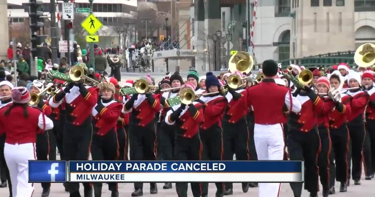 Milwaukee Christmas Parade 2021