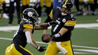Steelers' Roethlisberger, 3 teammates go on COVID-19 list
