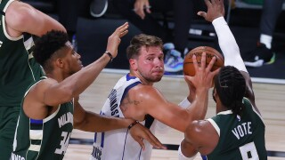 Bucks Mavericks Basketball