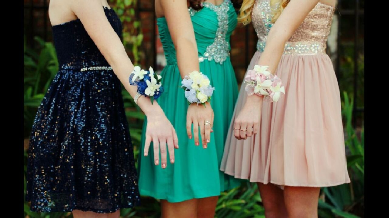Free prom dresses and shoes offered to high school students