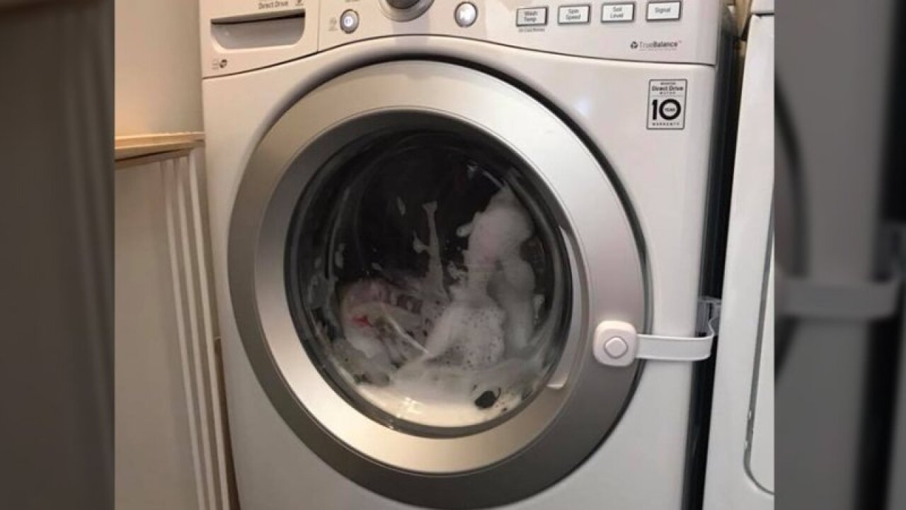 Mom warns other parents after 3-year-old locked in washing machine