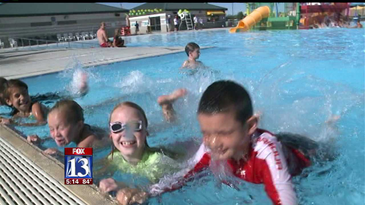N. Ogden students take part in breaking swimming lesson record