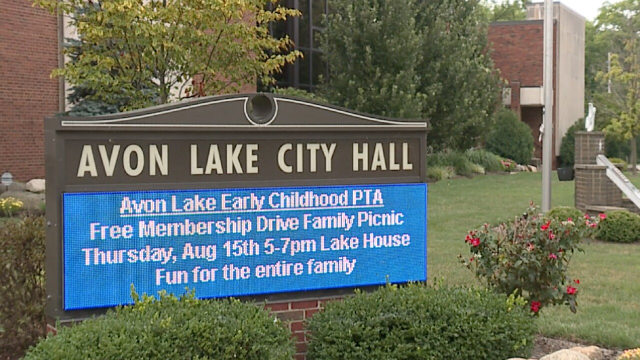 Avon Lake looks to new law to prosecute bus stop sign violators