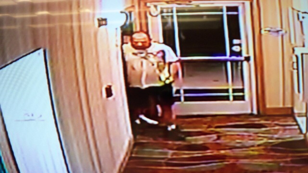 Thieves walk out of Florida hotel with ATM