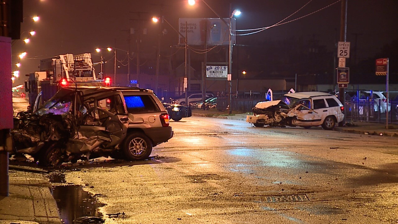 28-year-old dies in two-car crash at the intersection of