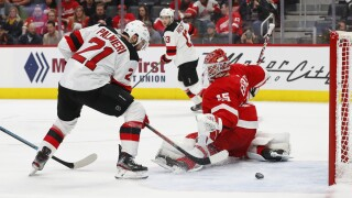 Red Wings fall to Devils, 4-1