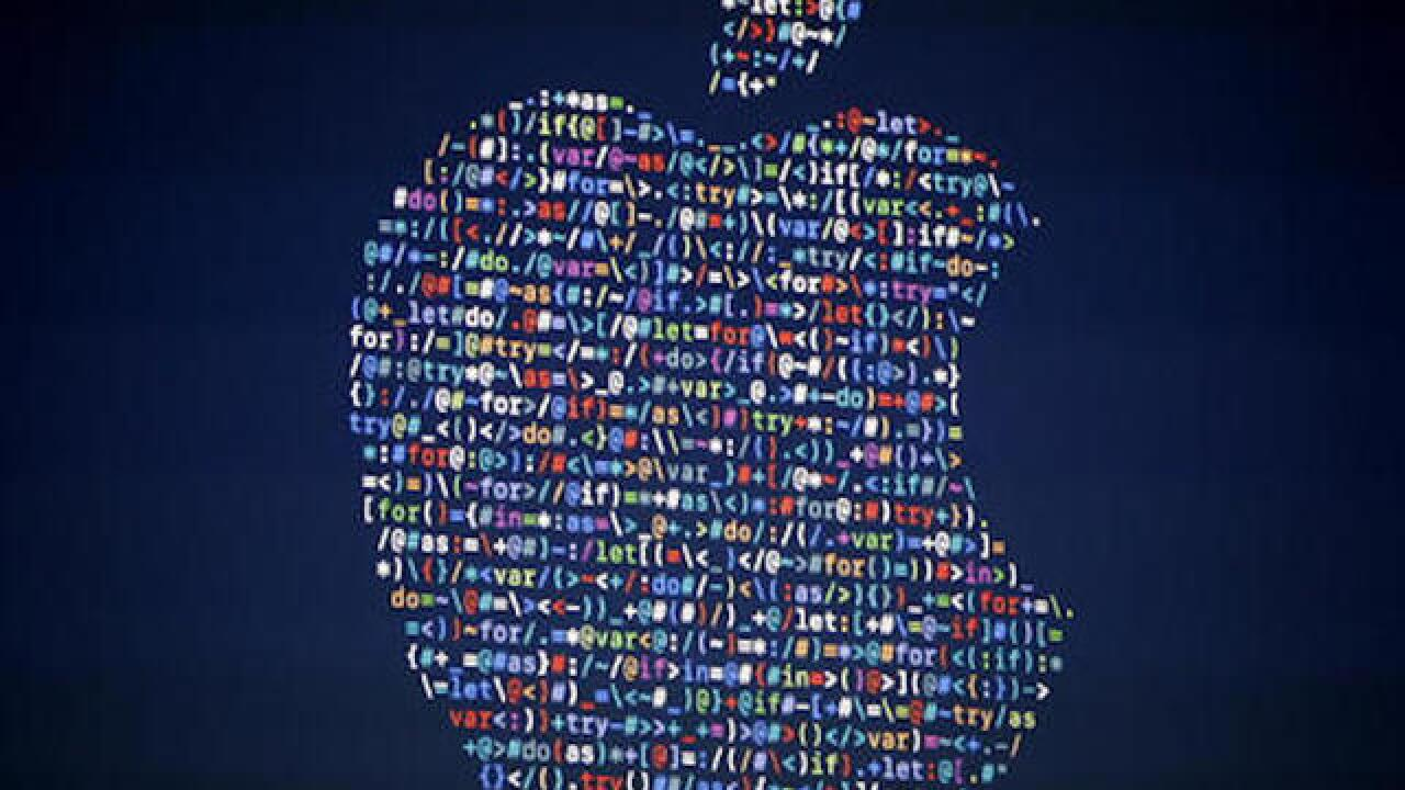 Apple to offer cash, up to $200,000, for reporting security flaws