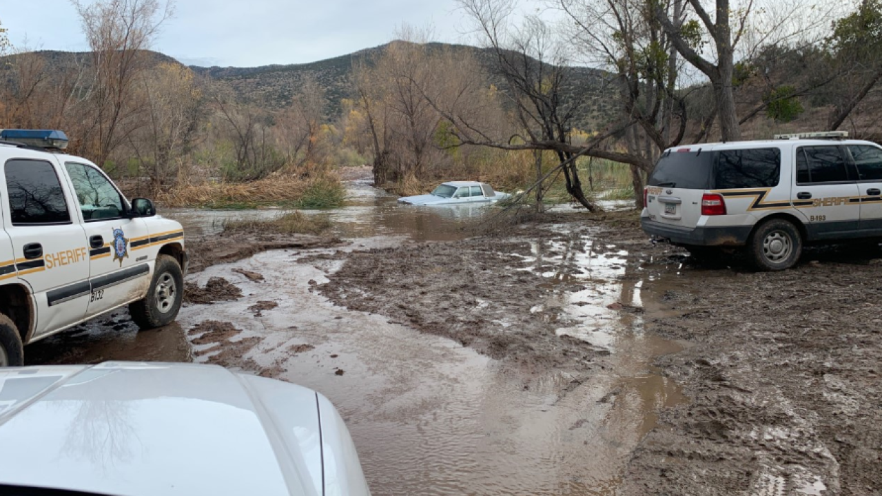 Man dies after car swept away in Tonto Creek
