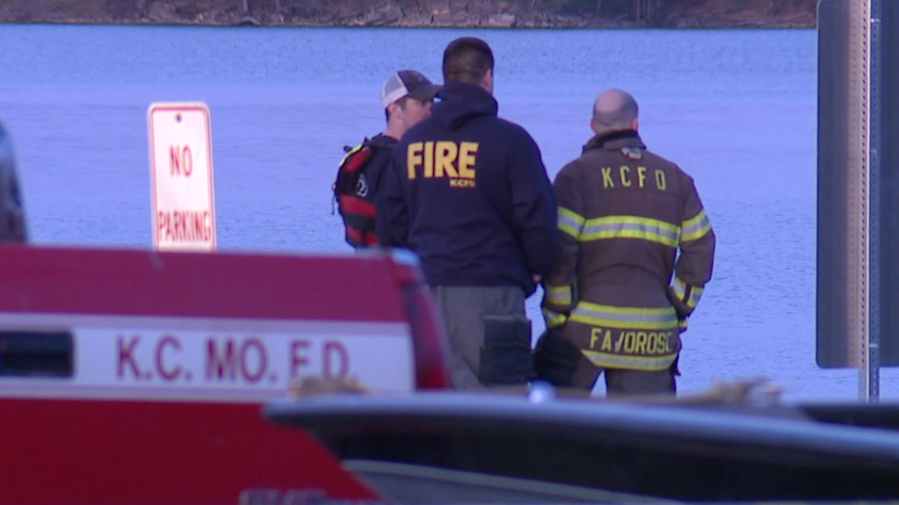Woman's body recovered from Longview Lake