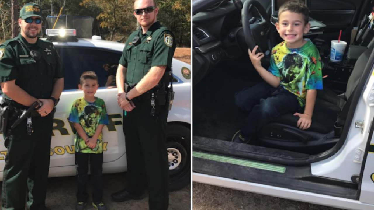 Boy calls 911 to invite police officers over for Thanksgiving dinner