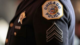 Report: 800 officers, employees call out sick in Chicago