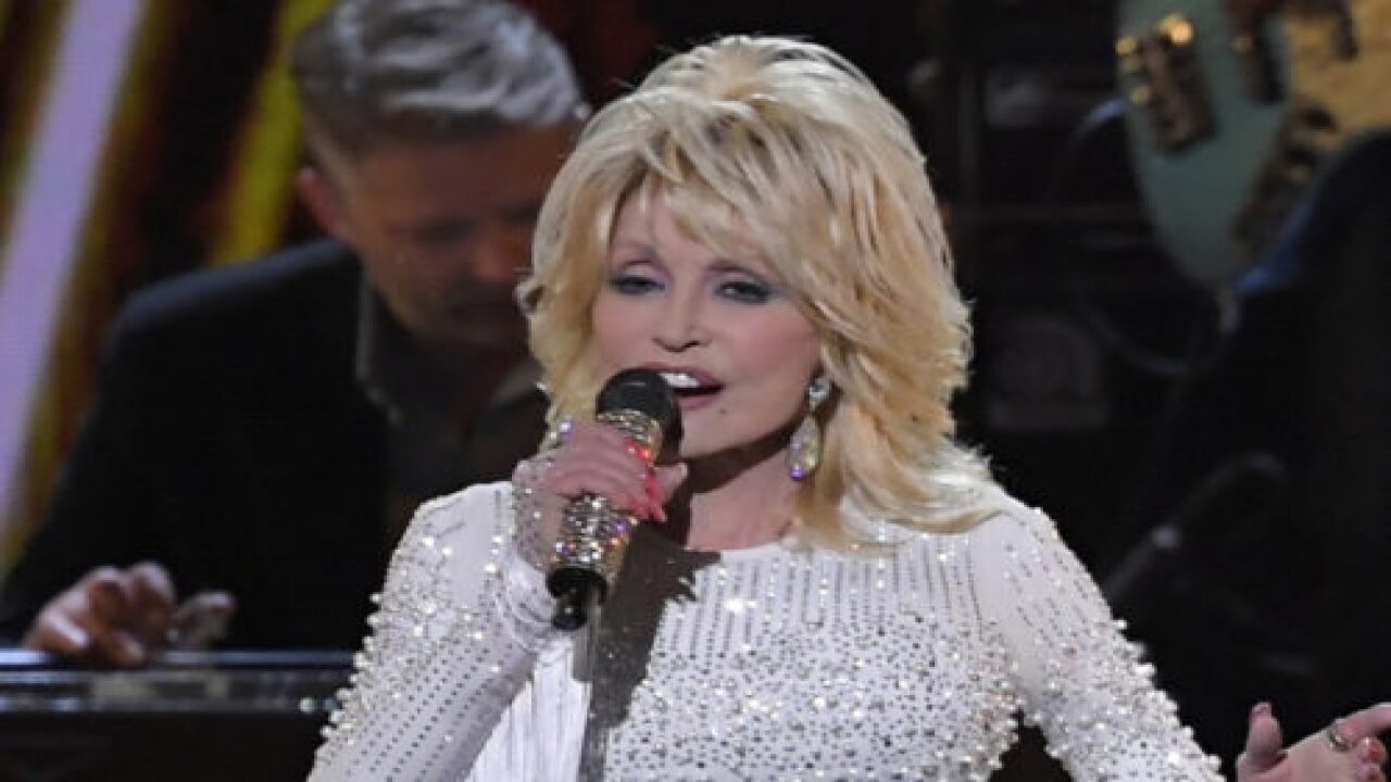 Dolly Parton Saved 9-year-old Co-star From Oncoming Car