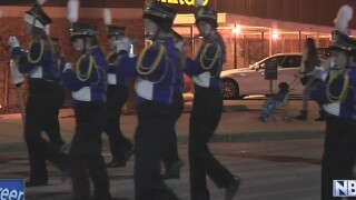 Downtown Appleton prepares for Christmas Parade