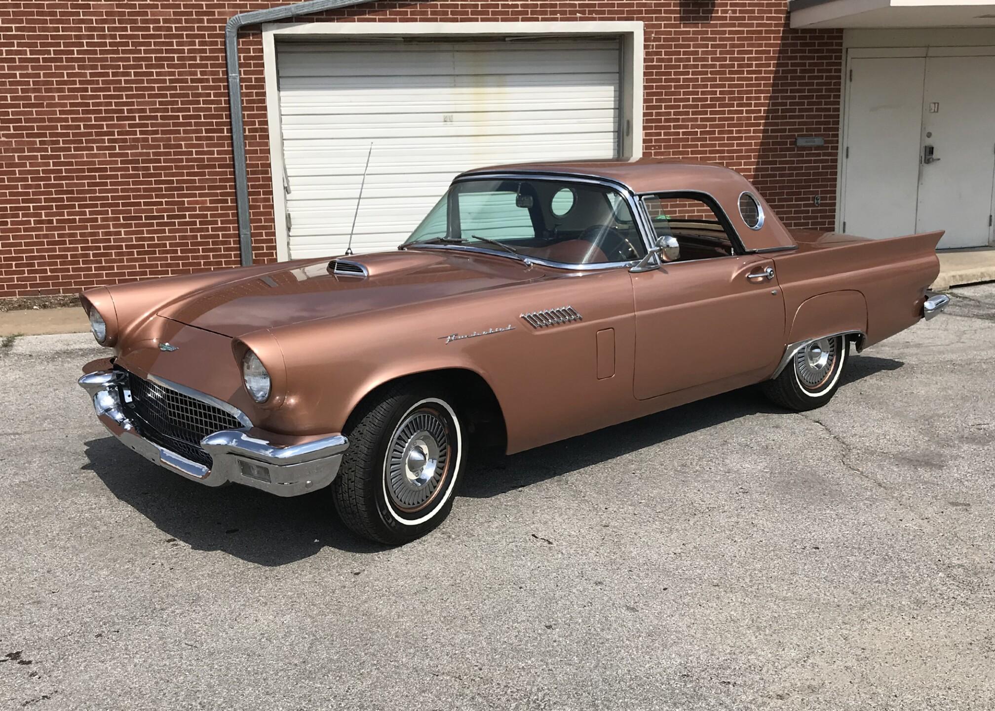 1957 Ford Thunderbird.jpg