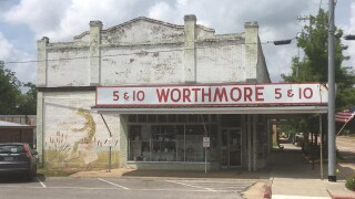 Worthmore 5 & 10 is a journey back in time