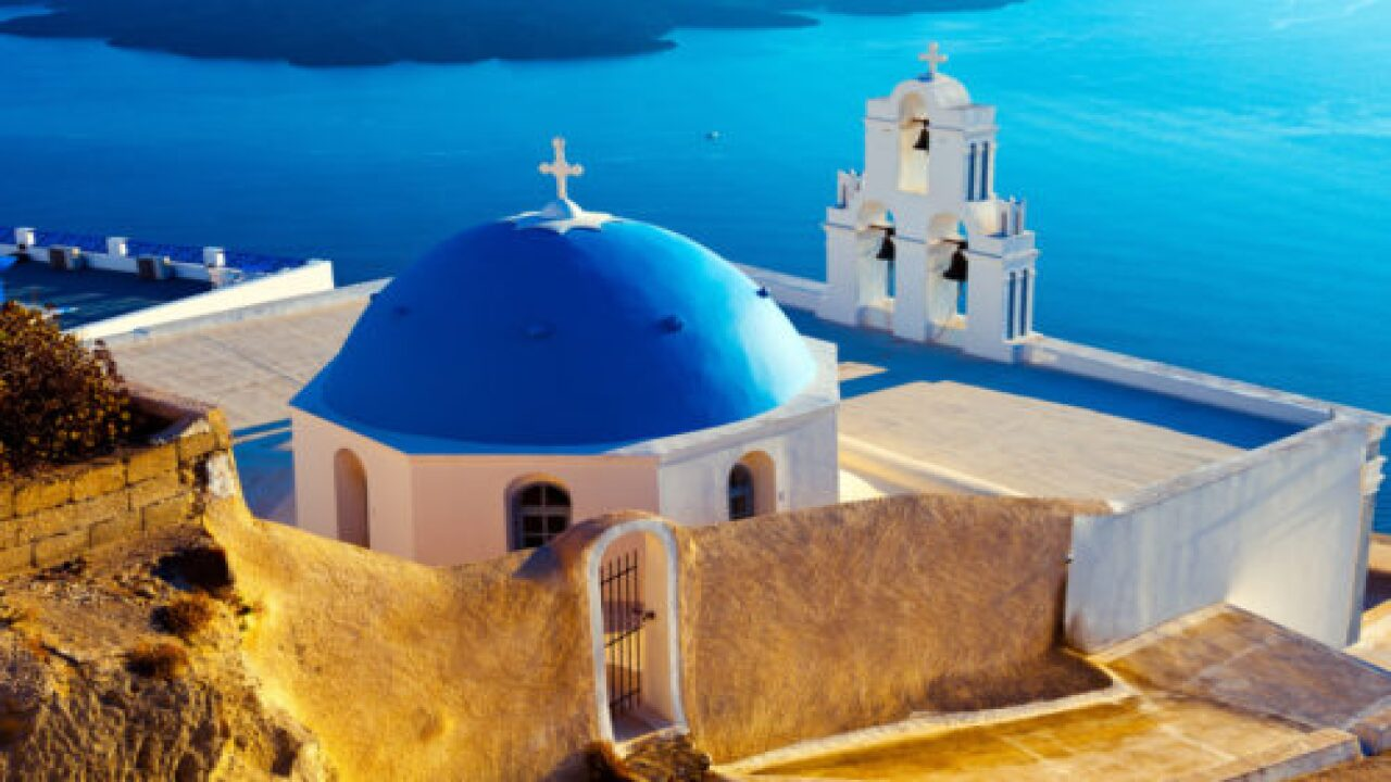 Greece Is Enticing Visitors With Cheaper Flights This Summer