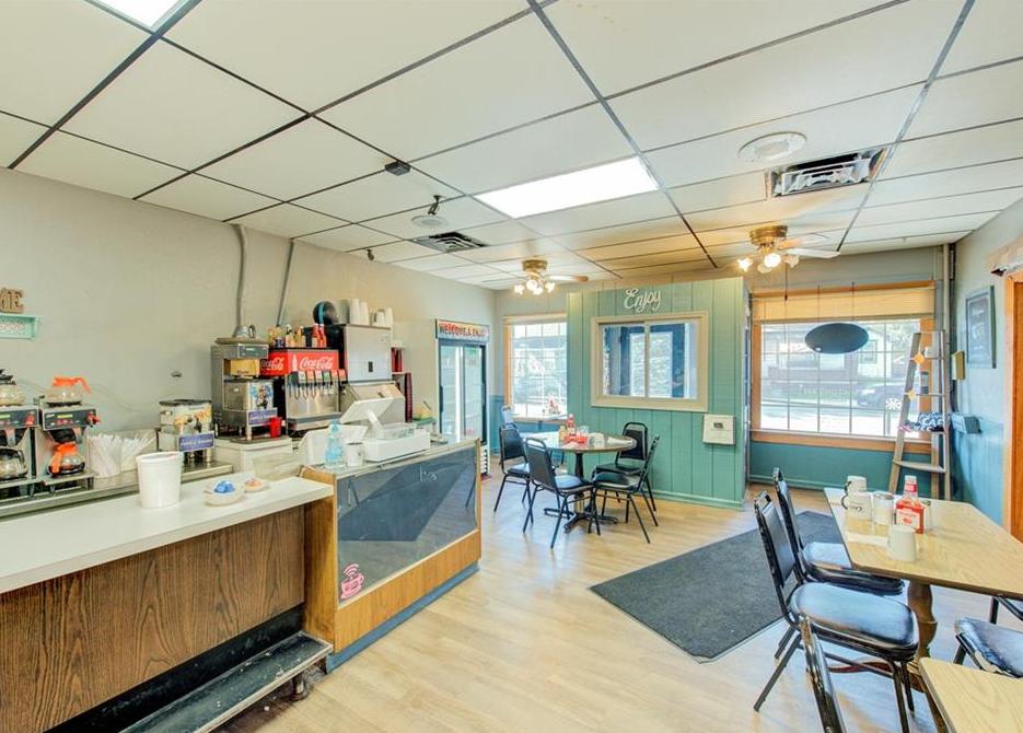clayton cafe 1.PNG